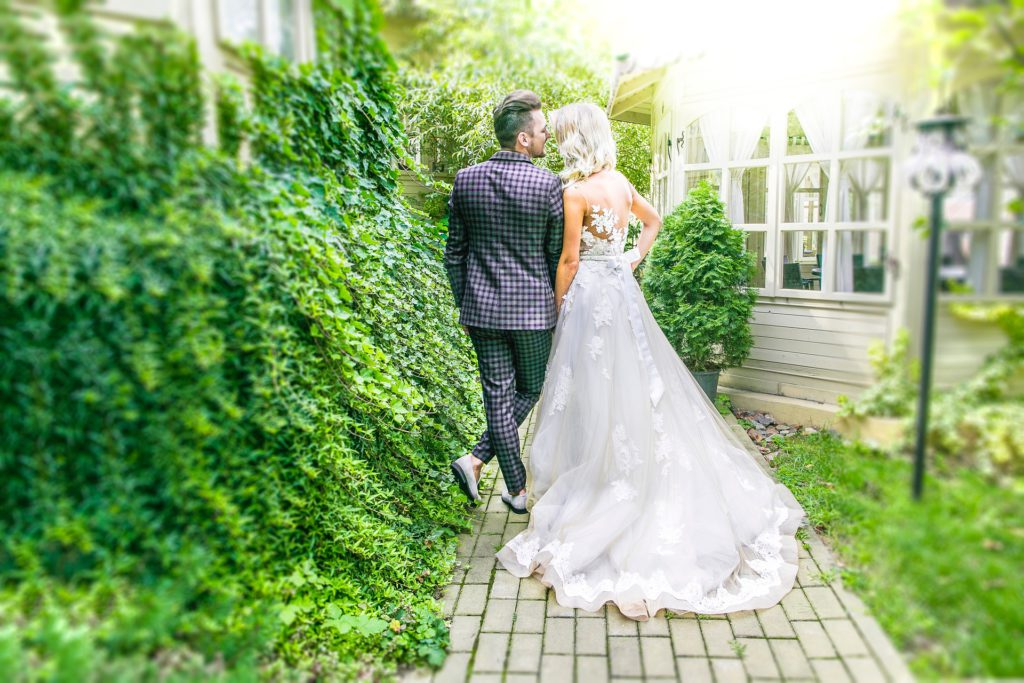 Fun Wedding Entrance Songs.Wedding Entrance Songs That Will Definitely Start The Party